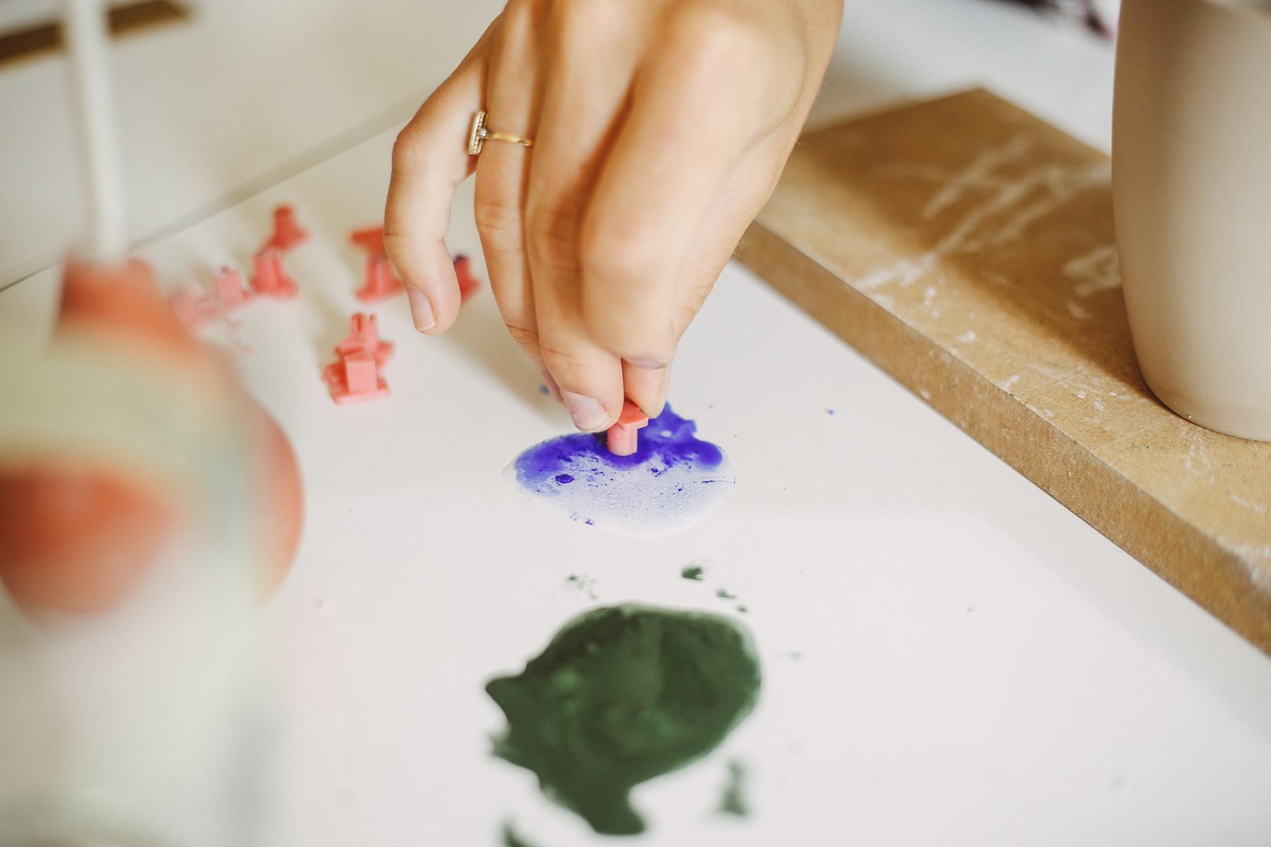 Farbe mit Wasser anmischen und los gehts!