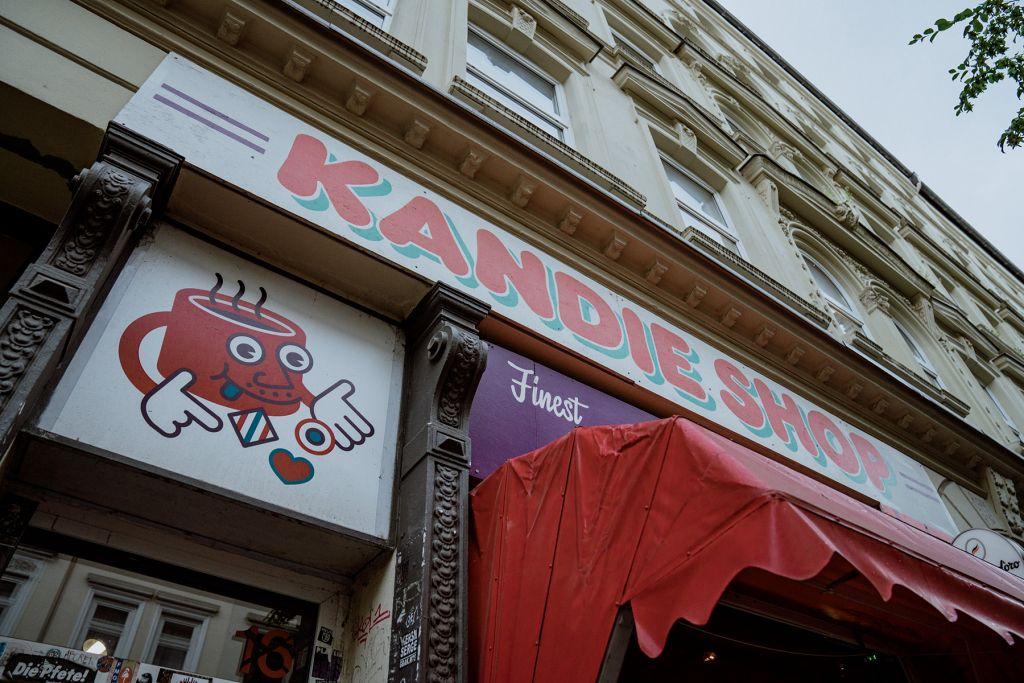 Hereinspaziert in den Kandie Shop in der Wohlwillstraße.