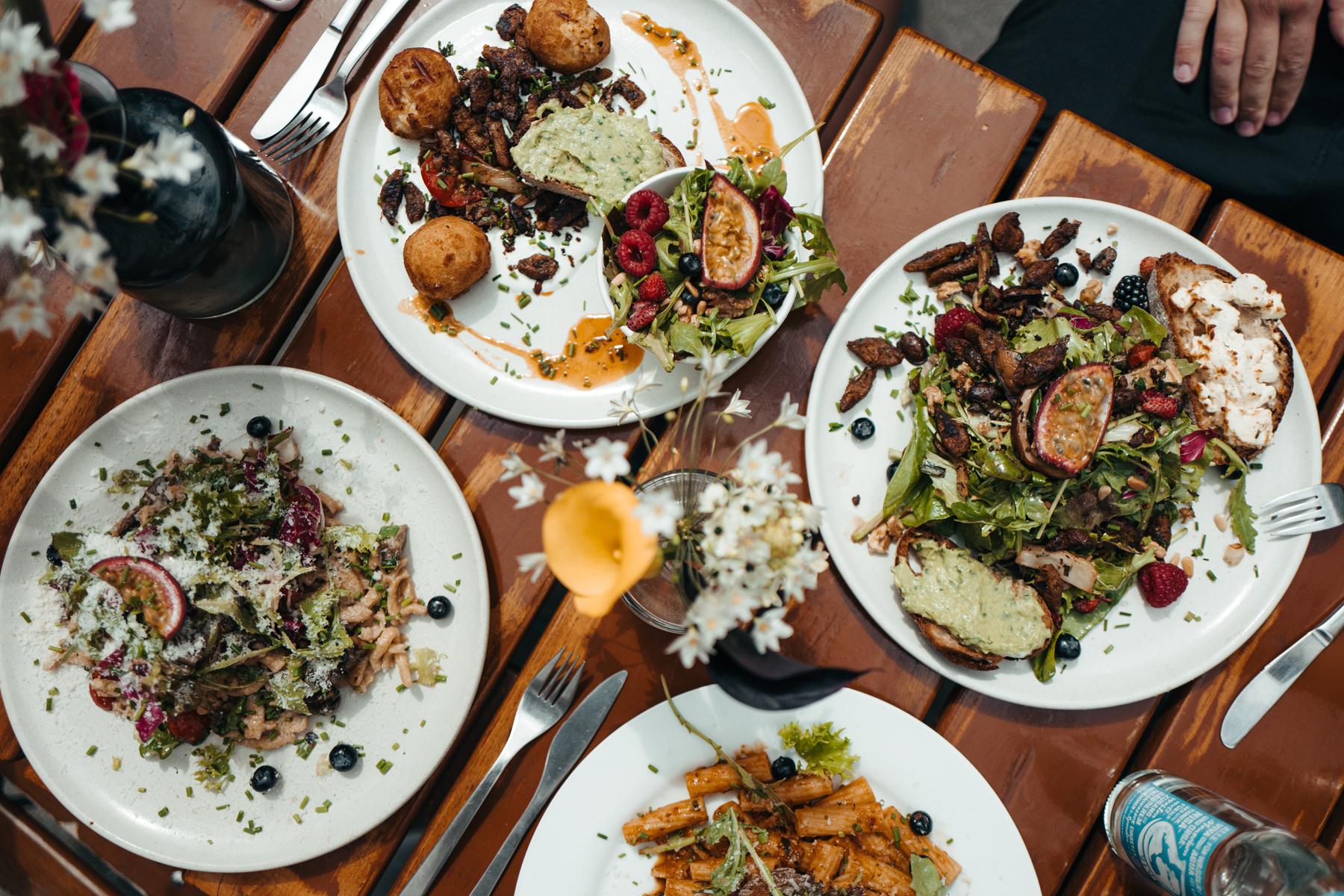 Geheimtipp hamburg lily of the valley ottensen restaurant dahlina sophie kock23