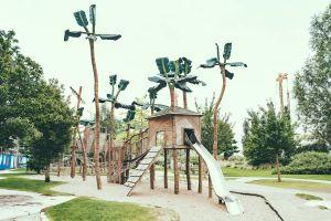 Palmen aus Plastik nicht zu verwechseln mit dem Park Fiction.