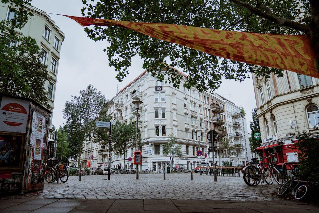 Der Paulinenplatz an der Wohlwillstraße.