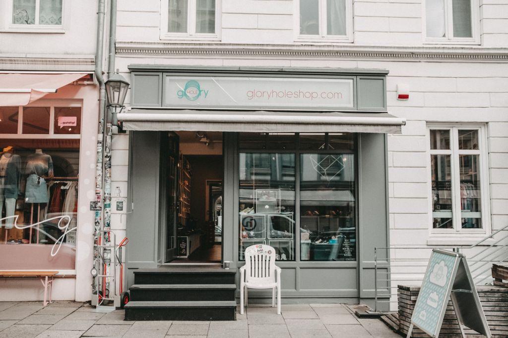 Geheimtipp Hamburg Karoviertel Laden Glory Hole Sneaker Shop Dahlina Sophie Kock 01