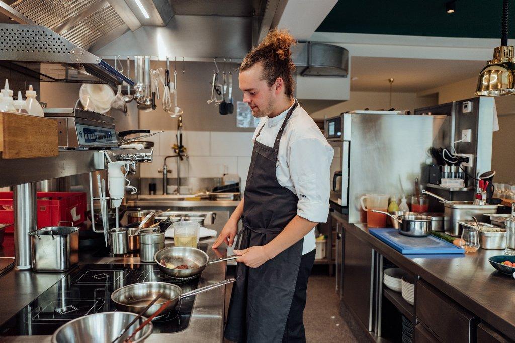 Restaurant Klinker Koch brutzelt