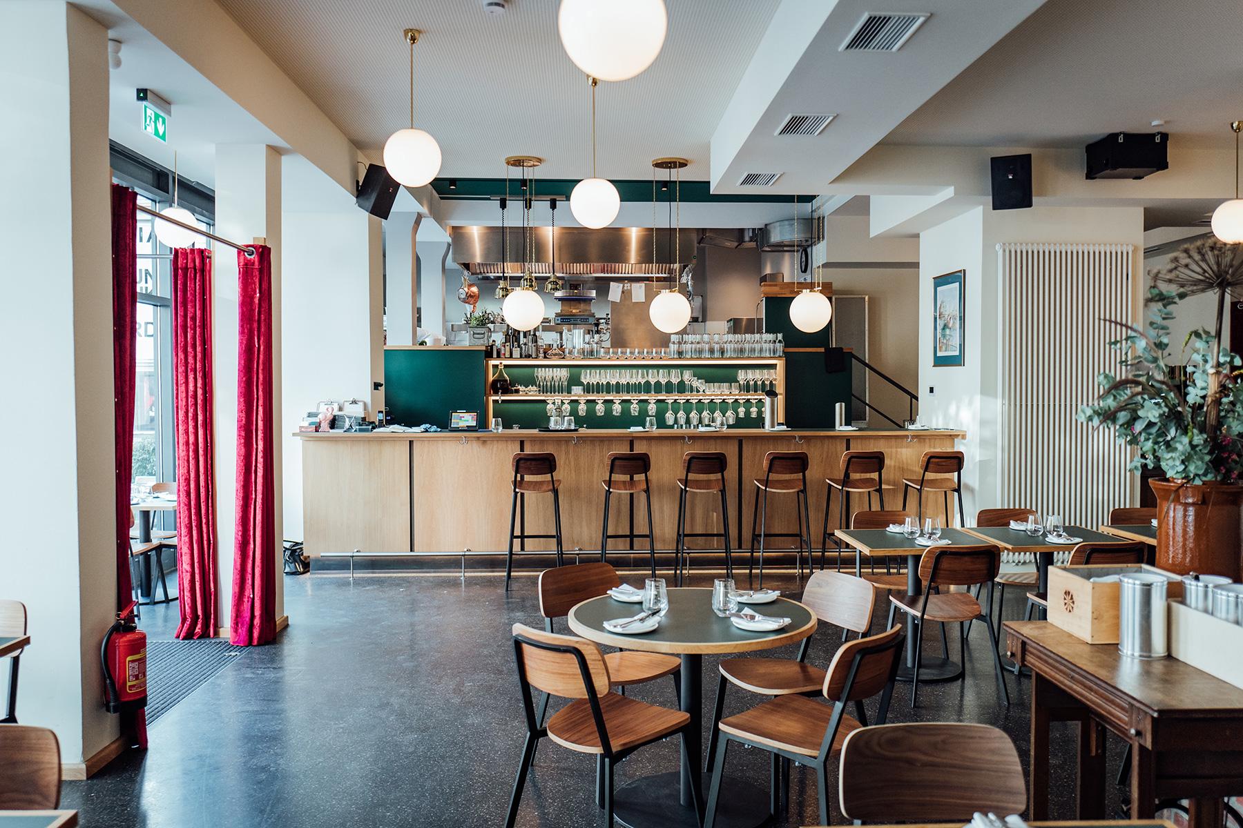 Restaurant Klinker Einrichtung Bar
