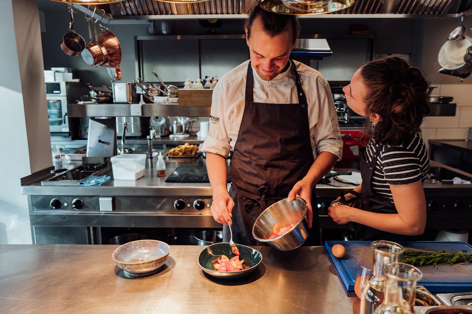 Restaurant Klinker Personal beim Kochen