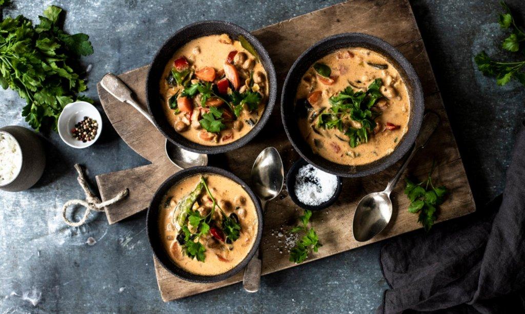 Veganes Kichererbsen Curry. – ©Saskia van Deelen