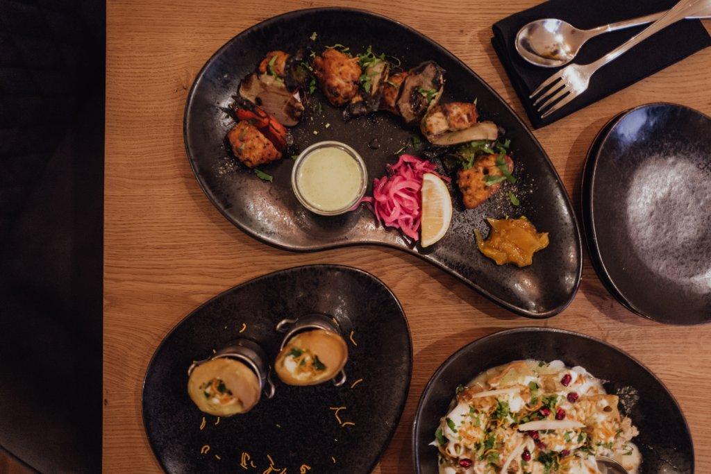 Restaurant Authentikke Foto von Speisen