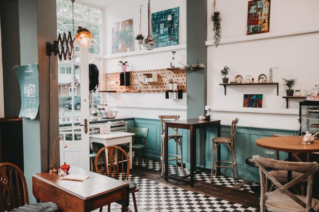 Das Café ist wunderhübsch eingerichtet.