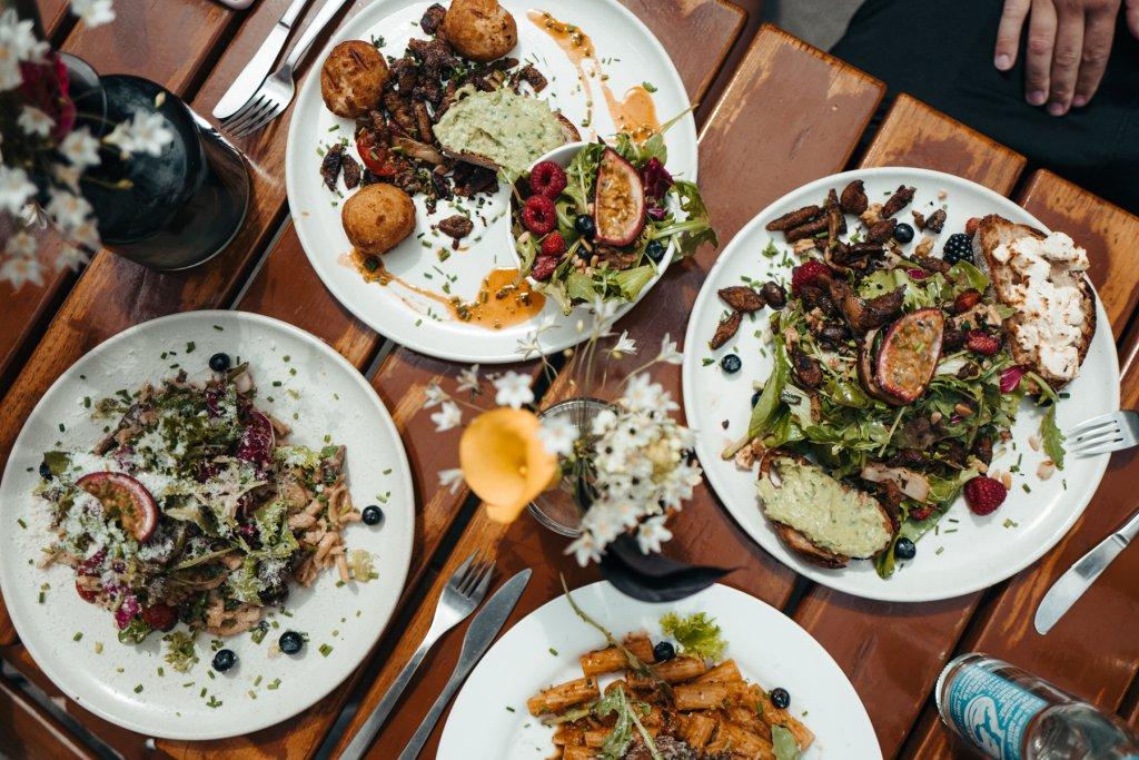 Ottensen Restaurant Lily of the Valley Dahlina Sophie Kock 02