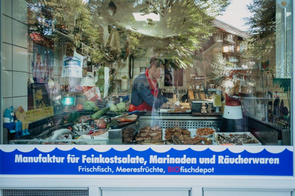 Täglich frische Ware vom Fischmarkt.