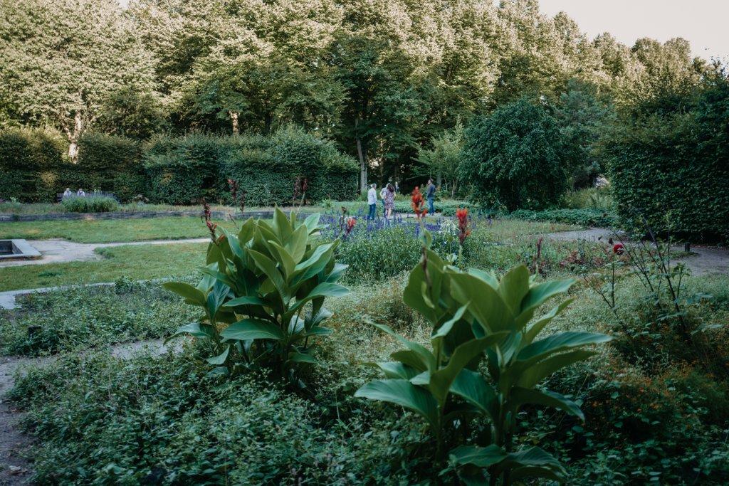 Ihr findet mehrere liebevoll angelegte Gärten innerhalb des Parks.