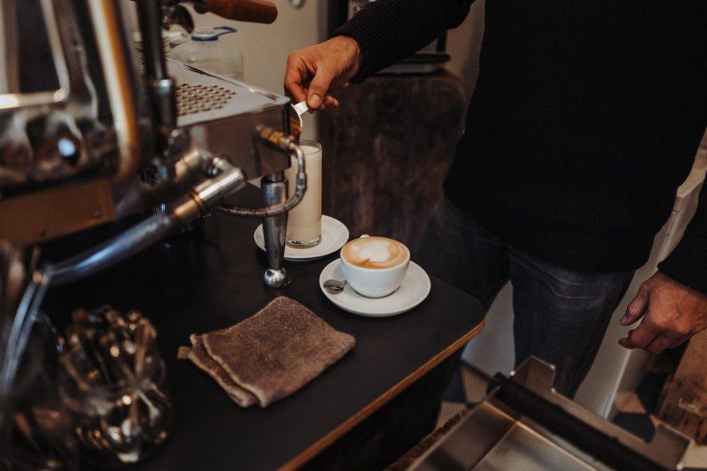 Geheimtipp Hamburg Ottensen Cafe Tide Feinkost und Treibholz Dahlina Sophie Kock 002 1200x800