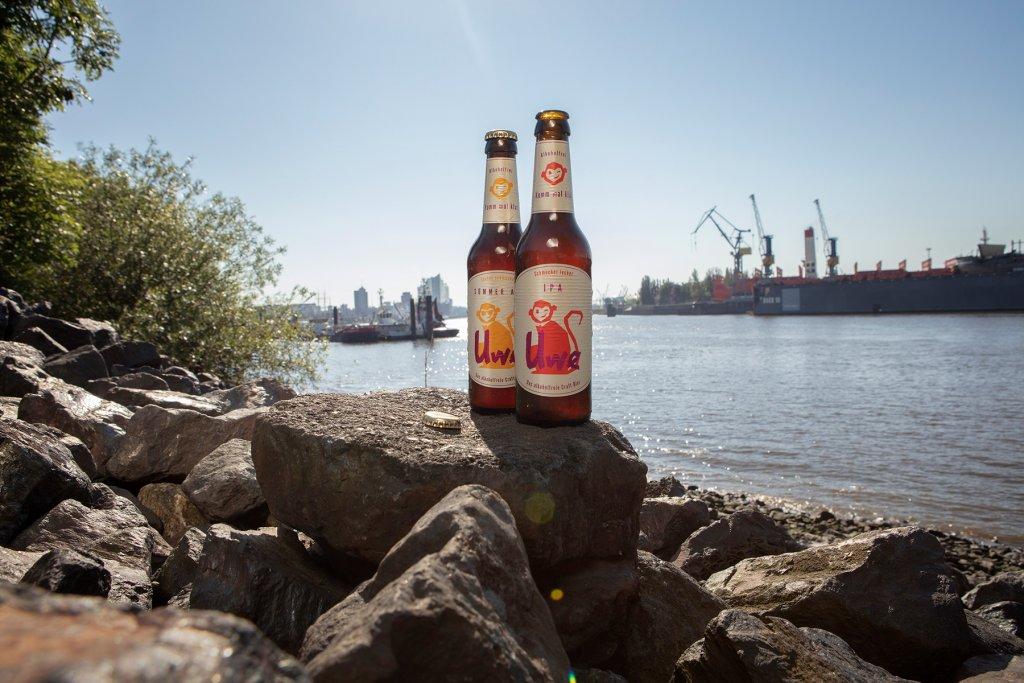 Ein Bierchen am Elbstrand gefällig? – ©Uwe