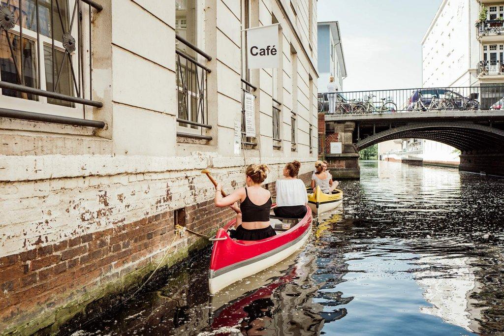Rein ins Kanu und ab auf die Kanäle.