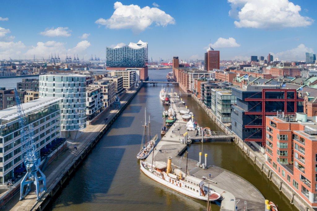 Geheimtipp Hamburg Außergewöhnliche Übernachtungen Hamburg Kran Hafen Elphi 06 – ©Floatel