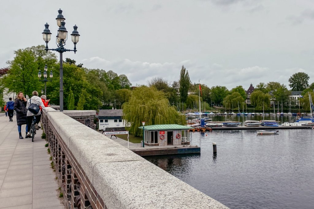 Geheimtipp Hamburg Besondere Brücken Guide Eppendorf Winterhude Krugkoppelbrücke Alster 07