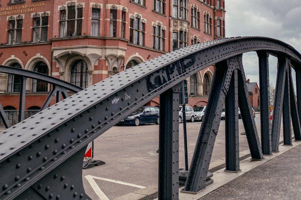 Geheimtipp Hamburg Besondere Brücken Guide HafenCity Wandbereiterbrücke 04