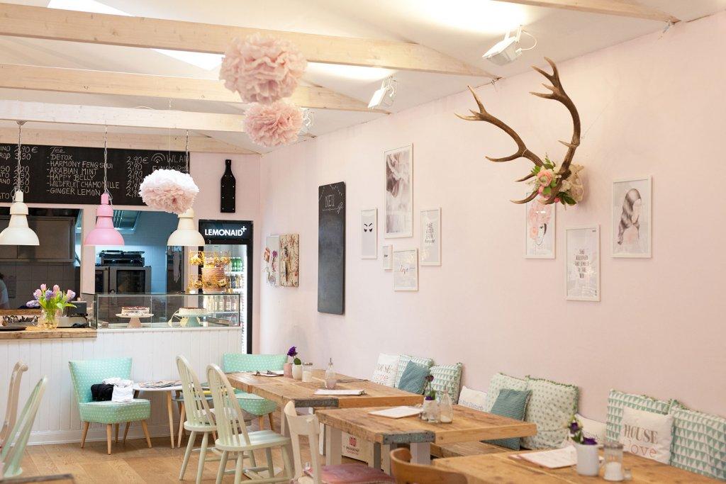 Geheimtipp Hamburg Harburg Café Einfach Rosa 002