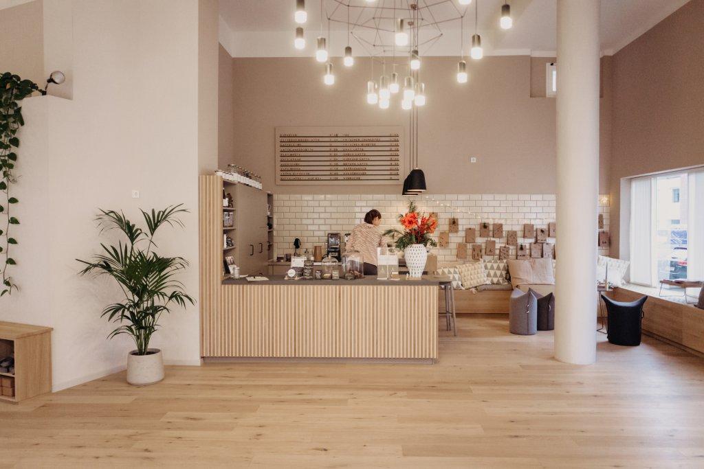 Yoga Studio mit Café