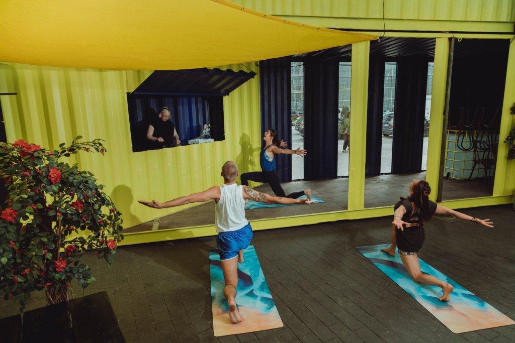 Geheimtipp Hamburg Elektro Yoga Event Karoviertel 2021 September Hamburg Alexandra Polina 03 – ©Alexandra Polina