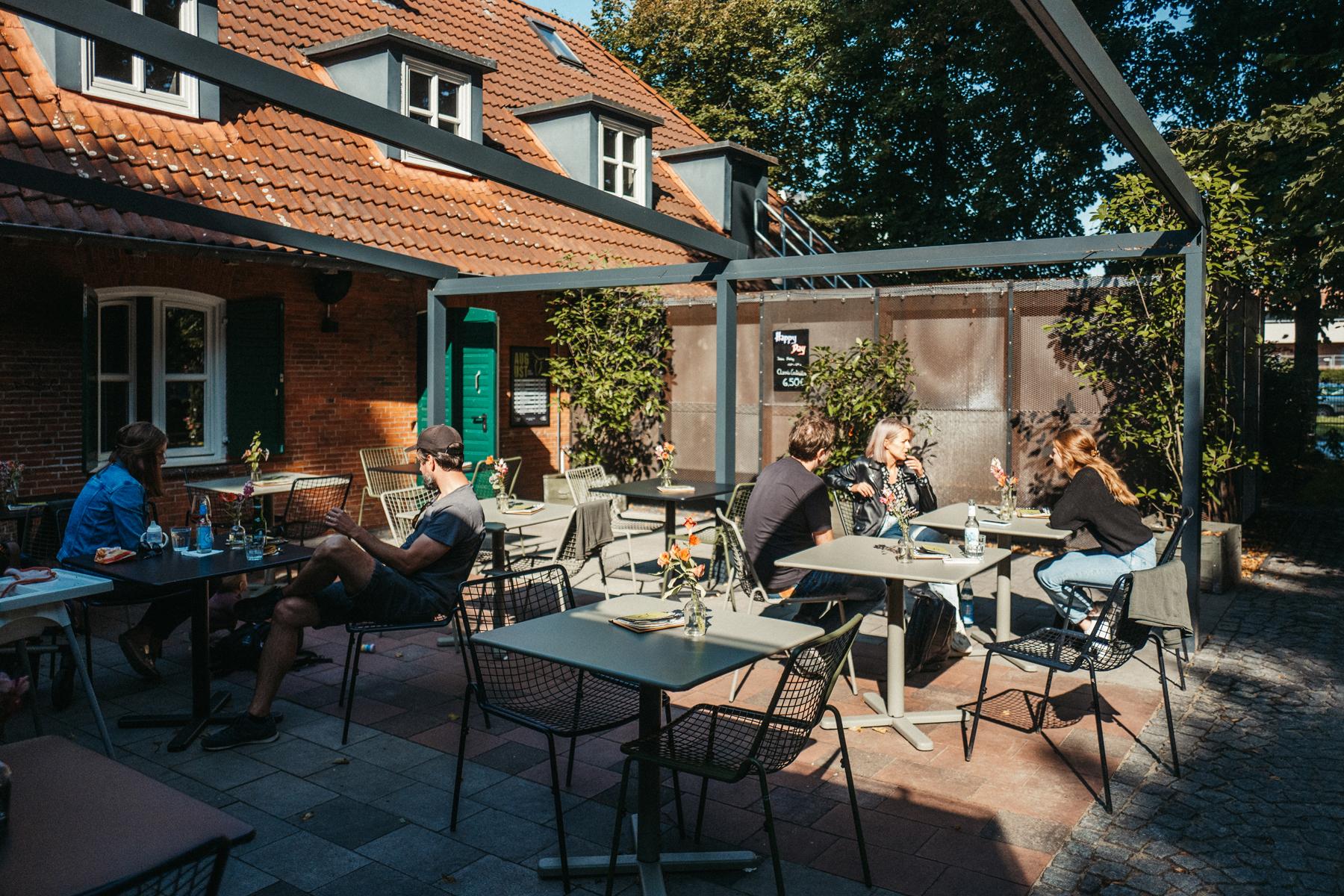 Geheimtipp Hamburg St Pauli Café Grüner Jäger Dahlina Sophie Kock 007